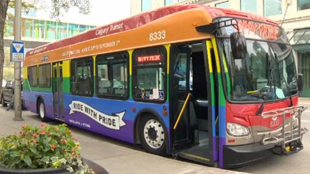 Calgary Rainbow Bus (00299646xD7EDD)